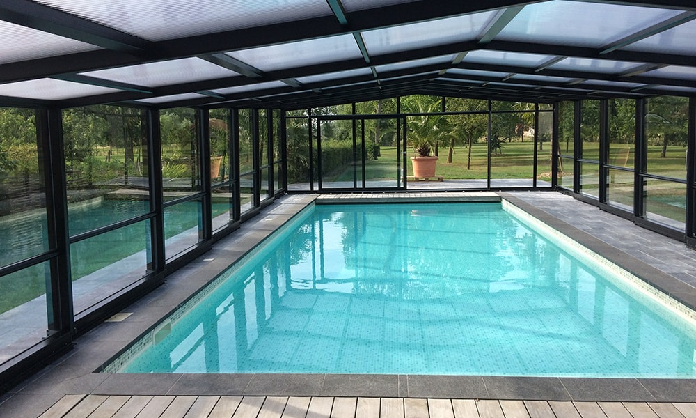 Angebaute Poolüberdachung Union - Robecq, Frankreich
