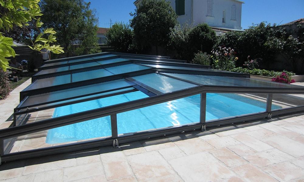 Niedrige Poolüberdachung Discret - Rivedoux-Plage, Frankreich