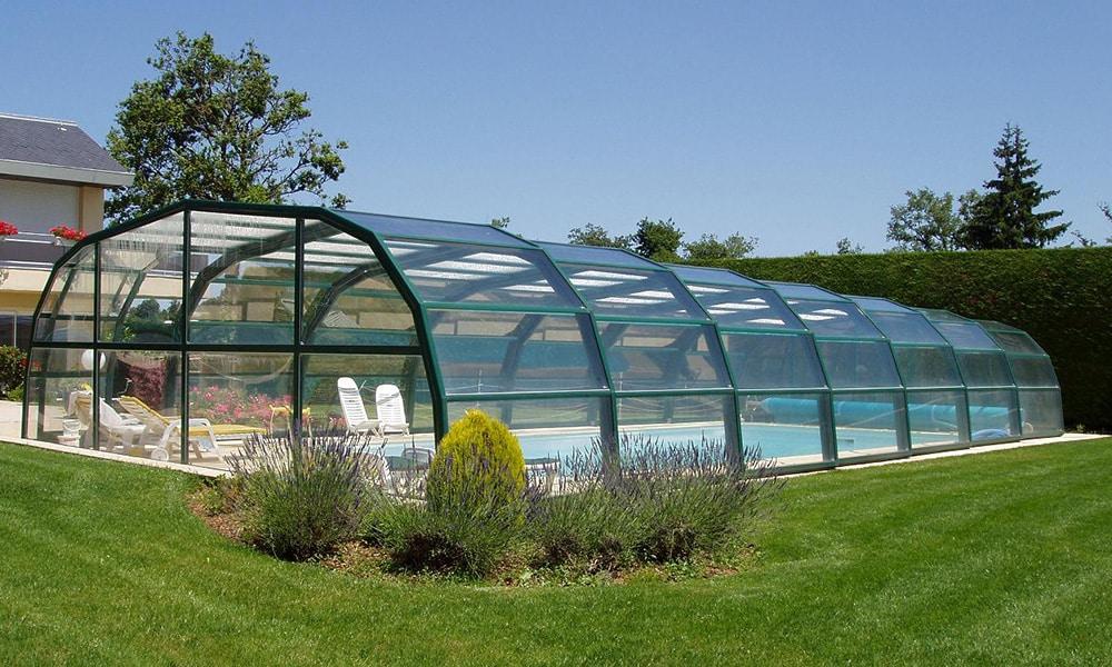 Hohe Poolüberdachung (Poolhalle) Ondine - La Primaube, Frankreich