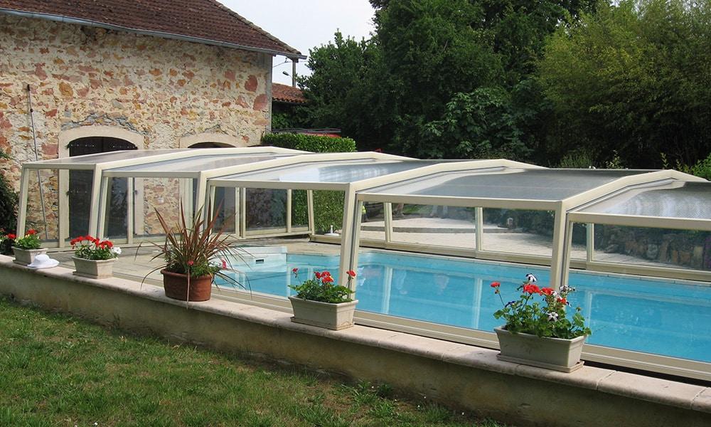 Halbhohe Überdachung Discret - Latoue, Frankreich