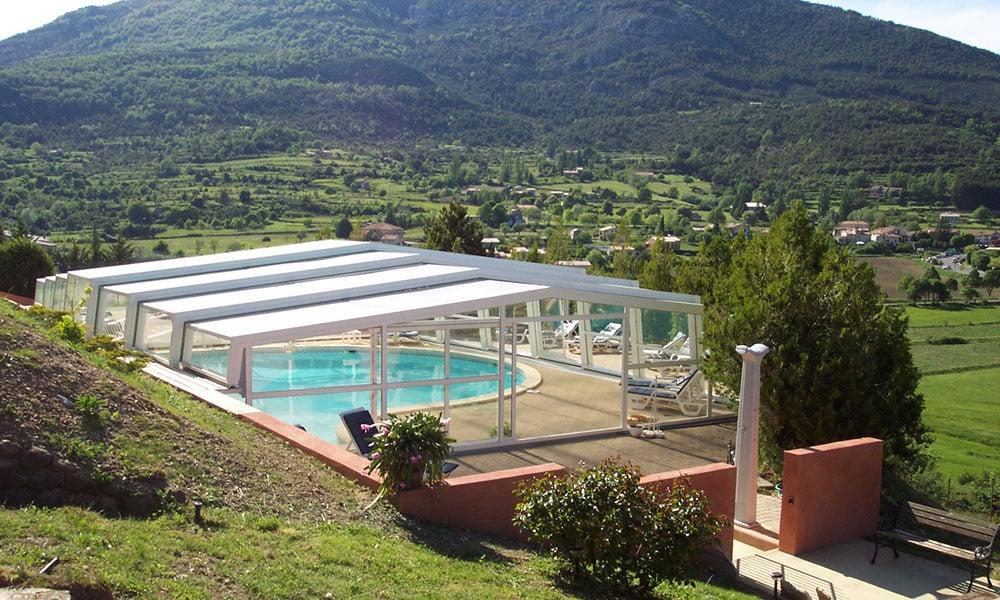 Überdachungen für öffentliche Einrichtungen - Schwimmbadunterstand, Frankreich