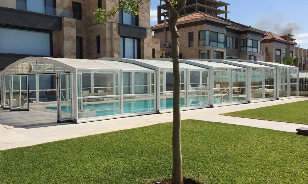 Überdachungen für öffentliche Einrichtungen - Poolüberdachung am Meer